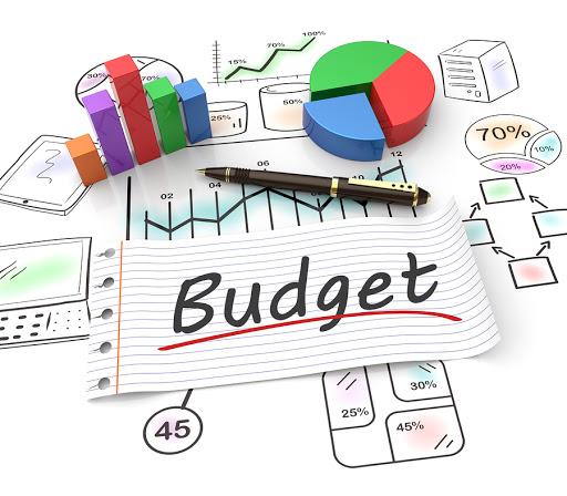 mengatur anggaran belanja untuk menabung