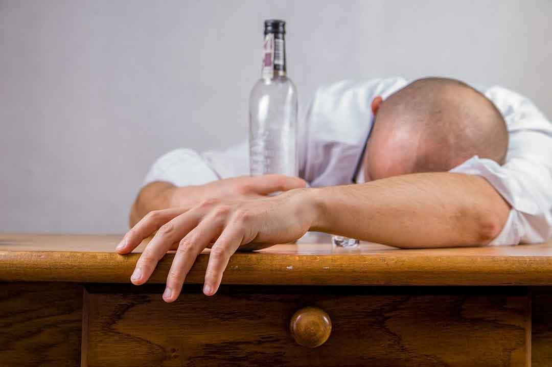 Efek Bahaya Konsumsi alkohol - posciety